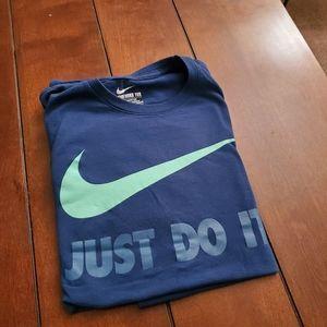 Nike short sleeve tshirt